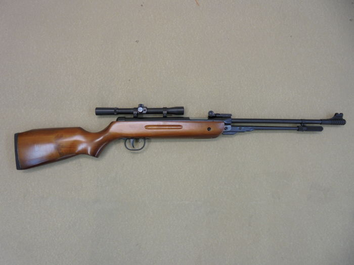 Chinese Model B3 underlever air rifle with fixed barrel 4 5 mm