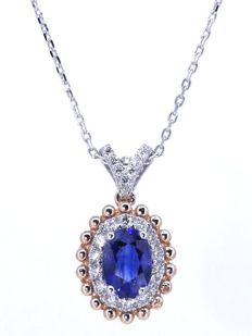Necklace in white gold 18 kt with splendid sapphire of 1.13 ct with IGI certificate & 21 diamonds, in total 0.25 ct - necklace 42 cm