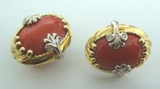 18 ct yellow and white gold earrings with diamonds and red coral.