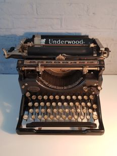 Underwood Typewriter - typewriter - Made in the USA - ca. 1935