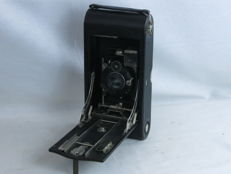 Kodak N. 3 A Autographic Special Folding Pocket, vertical style folding-bed camera, ca. 1905-14, Zeiss Kodak lens.