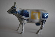 """Cow Parade - Ulla Jacobs -  type  iMoo"""" The Computer - medium - Porcelain - Retired"""