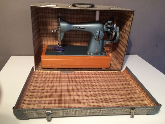 Vintage sewing machine - Boston JA37, 1950s