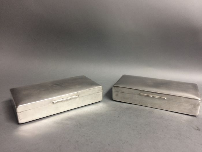 Set of identical silver plated cigarette boxes with wooden interior, Aristocrat, England, ca 1954