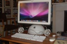 iMac G4 1,25GHz - 20 inch - 1,25GB - Speakers - Wifi - Mouse and Keyboard