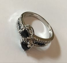 14kt White Gold Ring Midlnight Dark Sapphire  and 42 diamonds 0.17ct total  - size US7 ***no reserve***