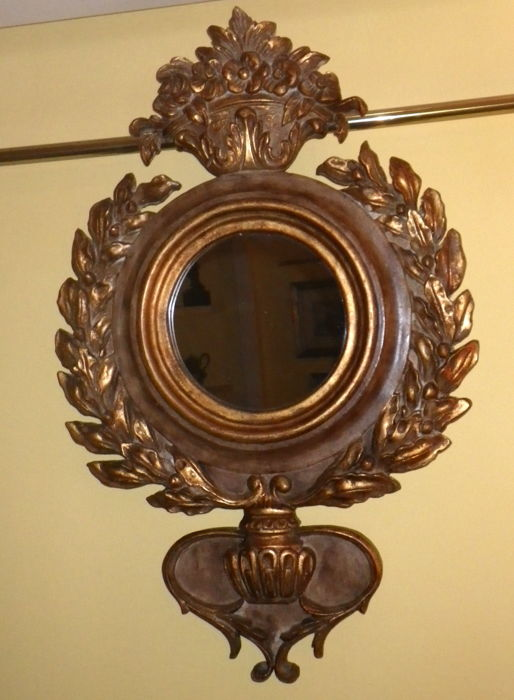 Round  Mirror in  Carved and Gilded  Wood -  Italy - Middle of XX century