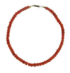 Antique, red coral necklace with 14 kt gold clasp - 39 cm -