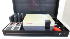Nintendo NES with unique Video Game Organizer, 2 controllers, zapper & games