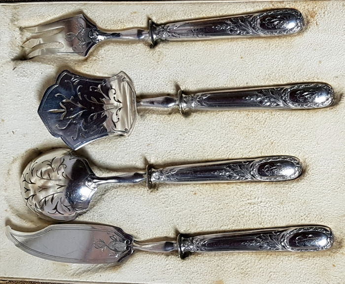Rare serving set for dessert or cheeses, E. P. Emile Puiforcat France Paris, 1820, sterling silver