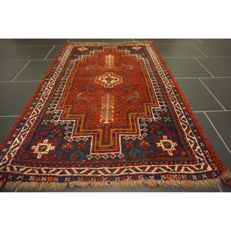 Collector's piece antique Persian carpet Qashqai Shiraz 125 x 80 cm natural colours Made in Iran. Old Rug, 100% Wool.