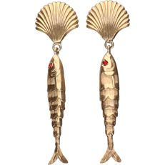 14 kt - Yellow gold treated earrings with 2 fish - length: 5 cm - width fish: 0.5 cm - width shell: 1.5 cm