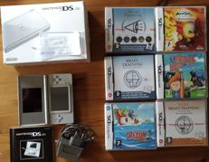 Nintendo DS Lite in excellent condition with 6 games like Zelda