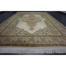 Exclusive handwoven Persian palace carpet mirror medallion Kirman Kerman signed 330 x 240 cm Tapis Tappeto carpet