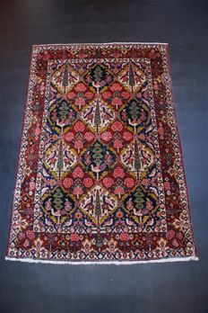 Hand-knotted vintage antique Bakhtiar carpet, approx. 70 years old, approx. 200 x 135 cm.