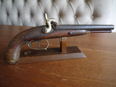 Nice double barrel percussion pistol. 19th century.