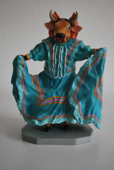 Cow Parade - aARTvarks: Conni Brenner & Wendy Carter - type Vaca Folklorico (female) - medium - Retired