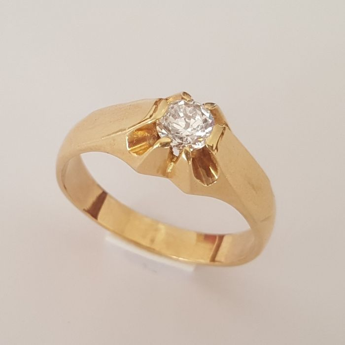 Solitaire ring in 18 kt yellow gold with a zirconia - Size: 21.3 mm, 27/67 (EU)