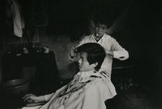 Patrick Zachmann - The new face of China, 1987, Barbershop in the Canton Province
