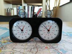 Extremly rare Heuer Stopwatches + Holder set - Circa 60s. Rally/Race time keeping. Chronometrage.