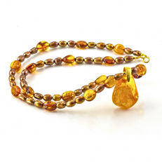 Chocolate Pearl and Amber necklace with Amber pendant – Length 50 cm, 18kt/750 yellow gold clasp