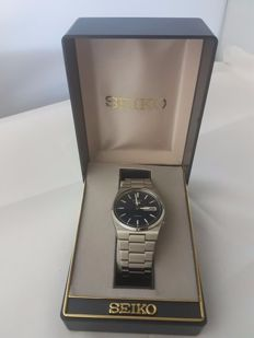 seiko 5 automatic 6309 - 8350 Near New condition