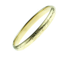 14 karat gold bangle with a floral, chiselled décor, wide model - 60 mm