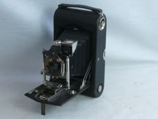 Kodak N. 3 Folding Pocket, vertical style folding-bed camera, ca. 1905-14, Bausch lens, EXC+