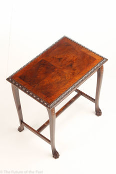 Walnut writing desk with drawer with elegant wood carving - provenance unknown - circa 1900