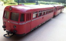 Märklin H0 - 3016/4018 - Railbus VT 95/795 of the DB with 2 trailers VB 142 with interior lighting