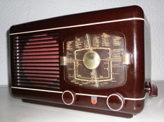 Rare radio Philips BCH381A from Switzerland (1949)