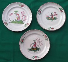 "Les Islettes - France - 3 antique plates ""Chinese characters"" - Late 18th-19th century"