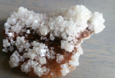 Beautiful chunk of pure Halite crystals on Sylvite - 140 x 100 x 55 mm - 295 g