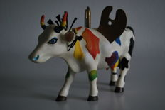 Cow Parade - Larry Jens Anderson - title Mythic Art Cow Goddess - Resin