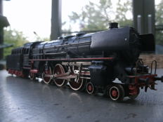 Märklin H0 - 3026.2 - Steam locomotive with tender BR 01 of the DB