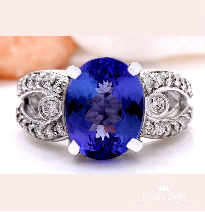 **No Reserve**6.25carat Natural Tanzanite And Diamond Ring In 14K White Gold