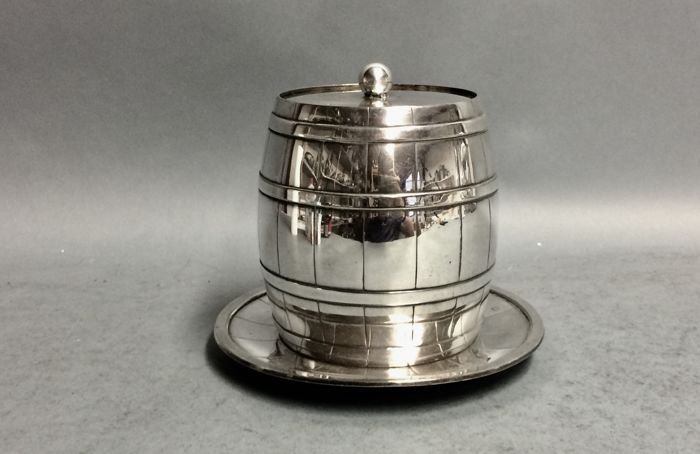 Silver plated cookie jar in the shape of a barrel, Deykin & Sons, Birmingham, England, ca 1900