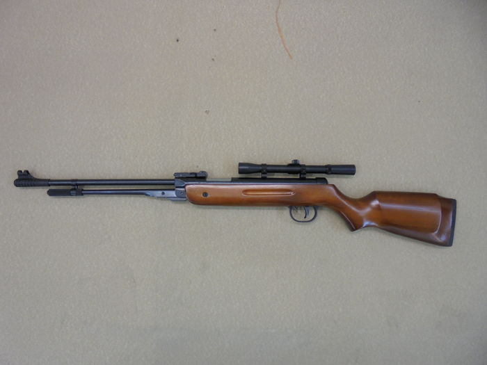 Chinese Model B3 underlever air rifle with fixed barrel 4 5