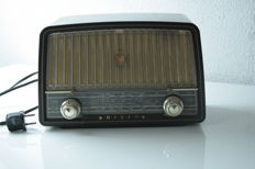 Old Philips radio