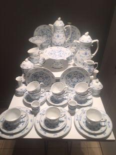 Large blue and white Schumann Arzberg porcelain service (11-12 persons) Indian Blue - 55 x