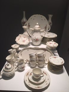 Rosenthal Classic Rose China coffee Service. All Pieces Signed Classic Rose Collection Rosenthal Group Germany. (12 persons)