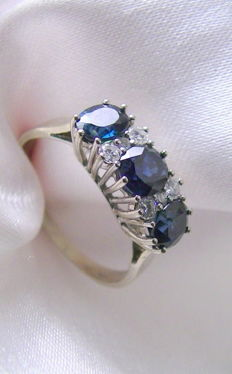 Sapphire and diamond ring 585 white gold – no reserve