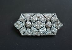 Platinum Art Deco brooch with diamonds, approx. 2 carat in total, 1930s