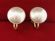 Vintage 1960s - Hallmarked -  12K Gold filled large classic Earrings with Simulated Mabe pearl