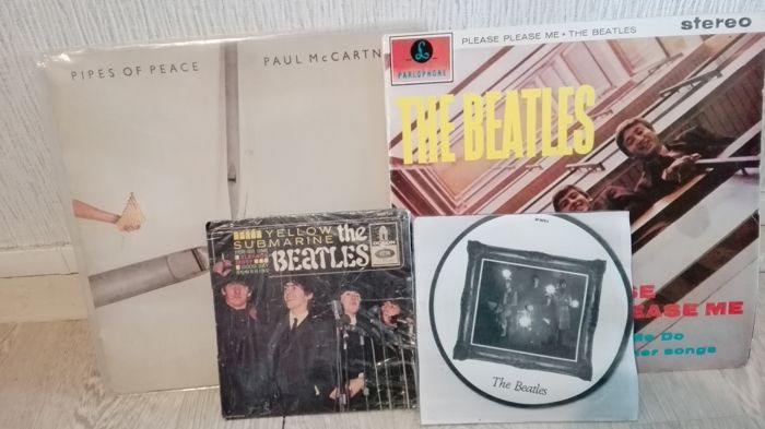 a lot of2 (two) 33t , one 45t with dedicace of the four beatles and one