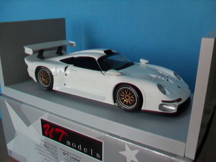 ut models scale 1 18 porsche 911 gt1 white catawiki. Black Bedroom Furniture Sets. Home Design Ideas