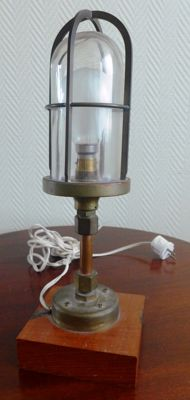 Ship's Lamp - Bulleye model, from the 50/60s