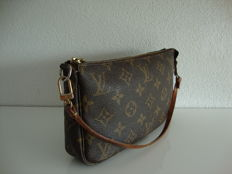 Louis Vuitton - Pochette ***No minimum price***