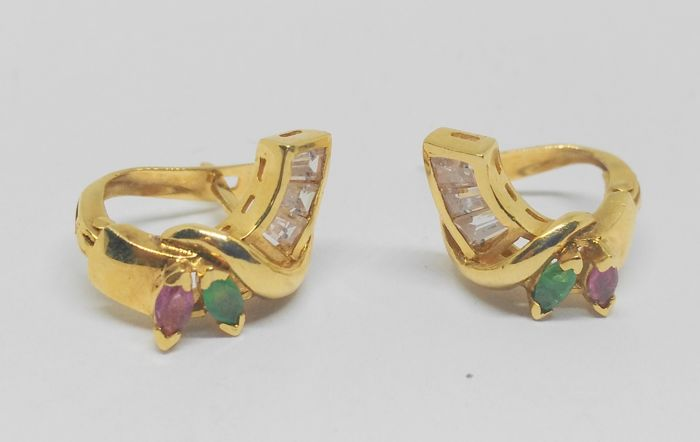 18 kt yellow gold earrings with emeralds, rubies and zirconias