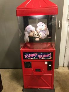 Funny Bunny Surprise Machine accepting 0.50 euro